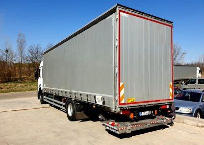 Karbantartott tehergépkocsi